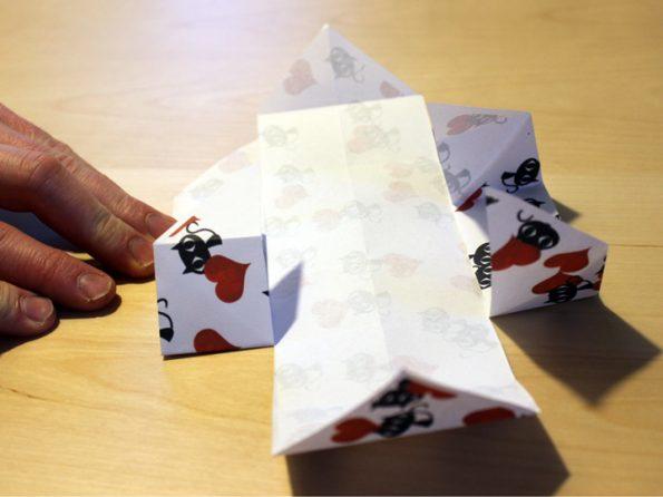 Papierbox Seiten einfalten